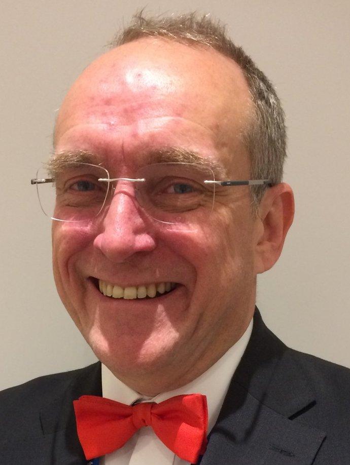 Dr Rob Wears